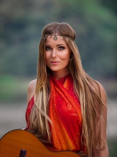 Singer-songwriter-Cecilia-Kallin-photo-Jesper-Anhede