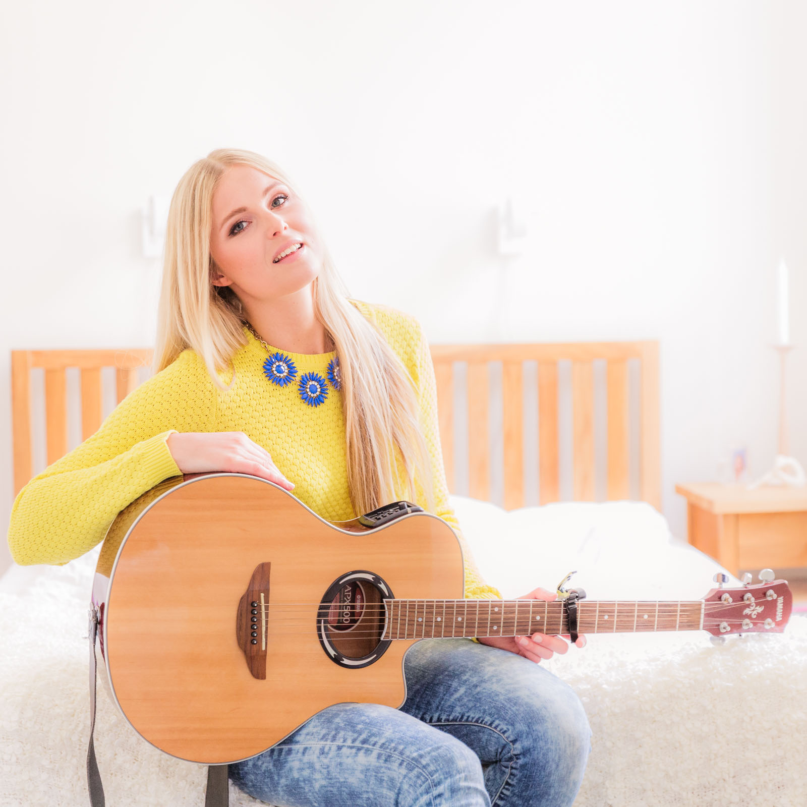 Acoustic cover of Eva Cassidy's version of Sting's Fields of Gold